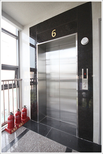 엘리베이터사진.jpg